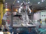 pelatihan-astronot.jpg