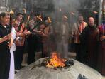 pengambilan-api-dharma-waisa_20180529_120037.jpg