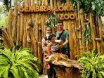 pengunjung-berfoto-di-spot-kebun-binatang-gembira-loka.jpg
