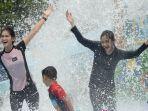 pengunjung-di-transera-waterpark-bekasi.jpg