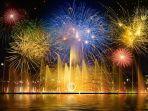 pesta-kembang-api-di-malam-tahun-baru.jpg