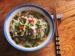 pho-kuliner-khas-vietnam.jpg