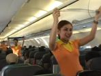 pramugari-cebu-airlines_20170507_100739.jpg