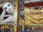 reclining-buddha-di-kuil-chauk-htat-gyi_20161001_205735.jpg