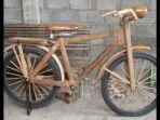 sepeda-kayu-kebo-buatan-teguh-rahayu-49-warga-grogolan.jpg