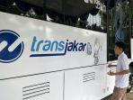 shan-rafael-anak-berkebutuhan-khusus-yang-ikut-melukis-di-badan-bus-transjakarta_20180820_095519.jpg