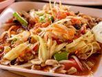 som-tum-kuliner-khas-thailand-yang-bisa-ditemukan-di-pattaya.jpg