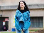 Tampil Modis dengan 3 Fashion Item Timeless yang Praktis untuk Diaplikasikan Saat Traveling