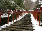tangga-menuju-kuil-kifune.jpg