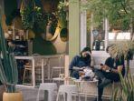 tbrk-rumah-kopi-kafe-hits-di-surabaya-bergaya-tropical-ala-bali.jpg