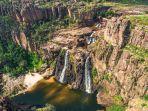twin-falls-air-terjun-yang-ada-di-taman-nasional-kakadu-australia.jpg