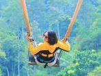 wahana-extreme-swing-di-the-lodge-maribaya.jpg