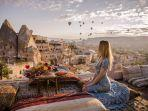 wisatawan-di-cappadocia-ilustrasi-fakta-unik-turki.jpg