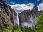 yosemite-falls-amerika-serikat-merupakan-satu-air-terjun-berbahaya-di-dunia.jpg