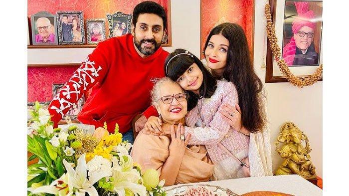 Aishwarya Rai bersama keluarga