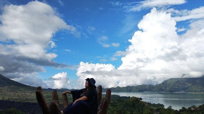 Caldera Restoran Hadirkan View Indah Gunung Batur dan Danau