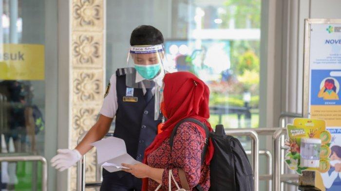 Penumpang Via Bandara Ngurah Rai Turun 63,6 Persen