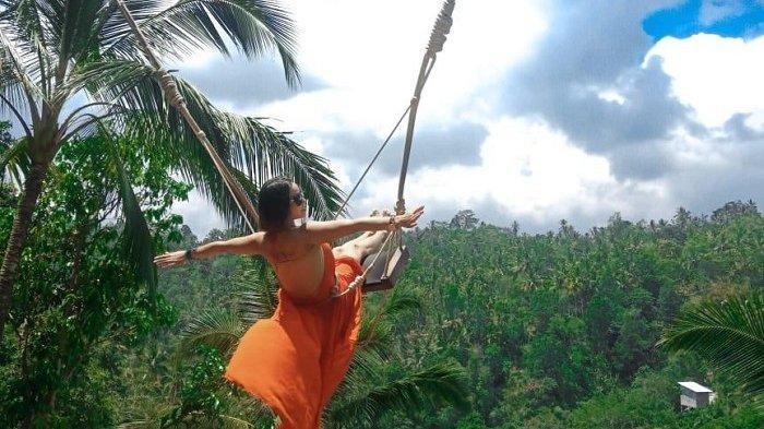 Uji Adrenalin Naiki Ayunan di Surya Bintang Swing