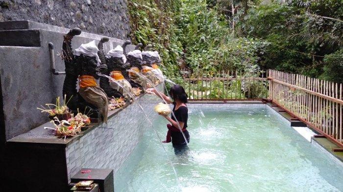 Tirta Muncrat, Satu Diantara Sumber Air Panglukatan Pura Tirta Suranadi
