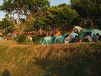 Camping di Bukit Asah Bugbug Sembari Nikmati Pantai Karangasem