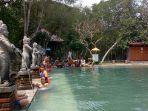 suasana-di-obyek-wisata-natural-hot-spring-banyuwedang.jpg