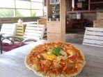 tampilan-menu-sun-rice-pizza-yang-ada-di-beranda-vintage-resto.jpg