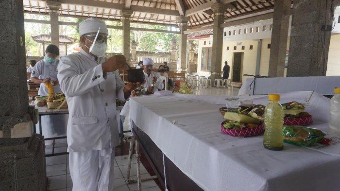 30 Jenazah Terlantar di Kremasi oleh RSUP Sanglah