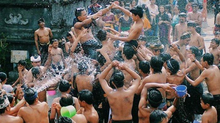 Festival Air Suwat