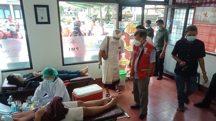 Ketua Umum PMI, Muhammad Jusuf Kalla lakukan inspeksi ke Markas PMI Provinsi Bali di Jl. Imam Bonjol No.182, Pemecutan Klod, Denpasar, Sabtu (31/10/2020).