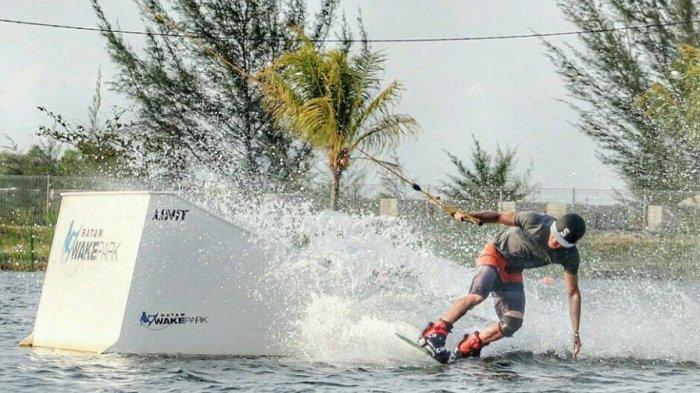 Jadi Wisata Pemacu Adrenalin, Coba Sensasi Cable Ski-Wakeboarding di Batam Wake Board