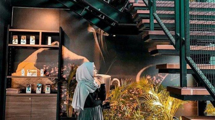 Punya Spot Instagramable, Coba Nikmatnya Ngopi di Excelso Coffee Shop Tiban