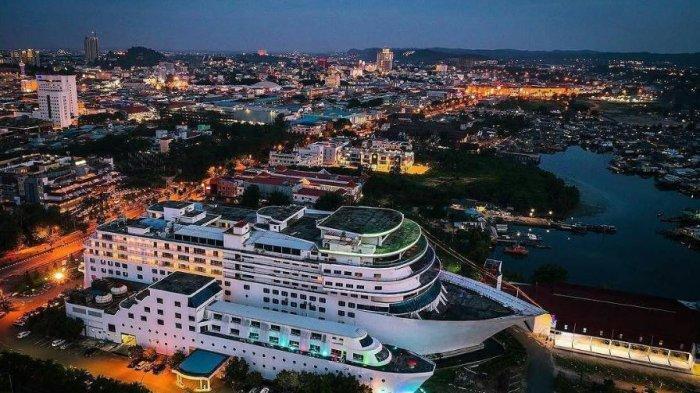 Bentuknya Menyerupai Kapal Pesiar, Nikmati Fasilitas Lengkap di Pacific Palace Hotel