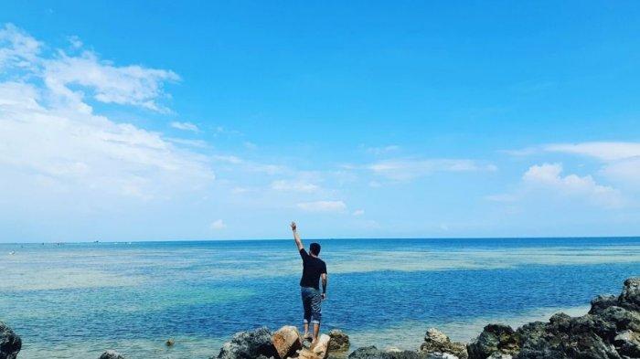 Keindahan Pantai Tanjung Mak Dara, Suguhkan Air Laut Jernih dan Batu Karang Unik