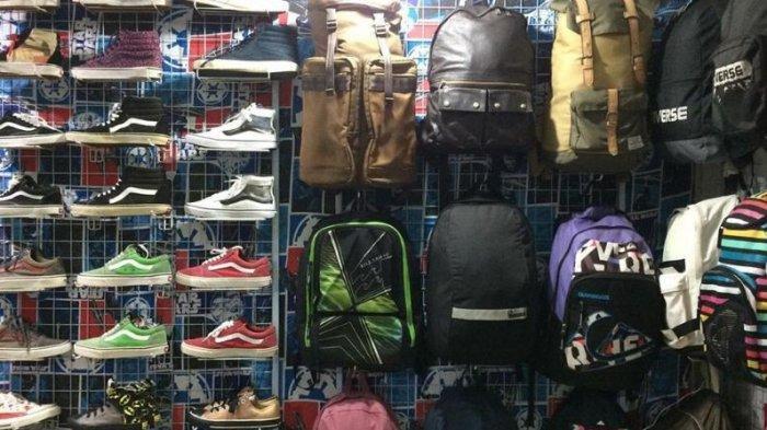 Keseruan Thrifting ke Pasar Taras Batam, Punya Nuansa Vintage ala Tahun 90an