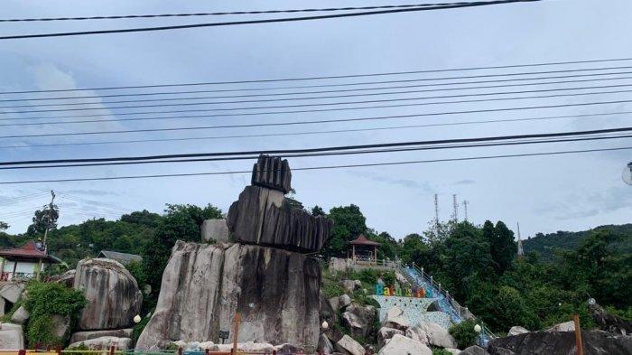 Batu Tompak Tige, Ikon Wisata di Anambas yang Sediakan Spot Foto Terbaik dan Gratis