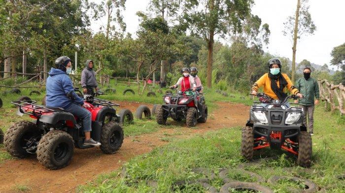 Liburan Seru Pacu Adrenalin dengan Mengendarai ATV di Kawasan Maribaya, Lembang