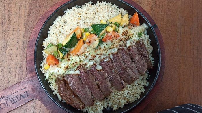 Australian baked beef rice di Everjoy Cafe, Jalan Bahureksa 3, Bandung