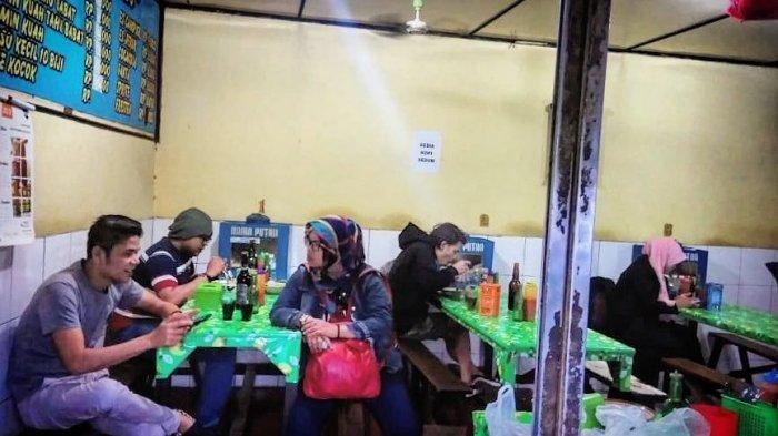 Suasana Kedai Cicaheum Baso Mas Barjo di Jalan Jenderal Ahmad Yani No 923B, Cicaheum, Kota Bandung