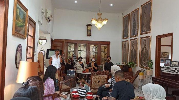 Bincang Nusantara bersama Remaja Berkain di Herbal House, Jalan Sumur Bandung, Bandung