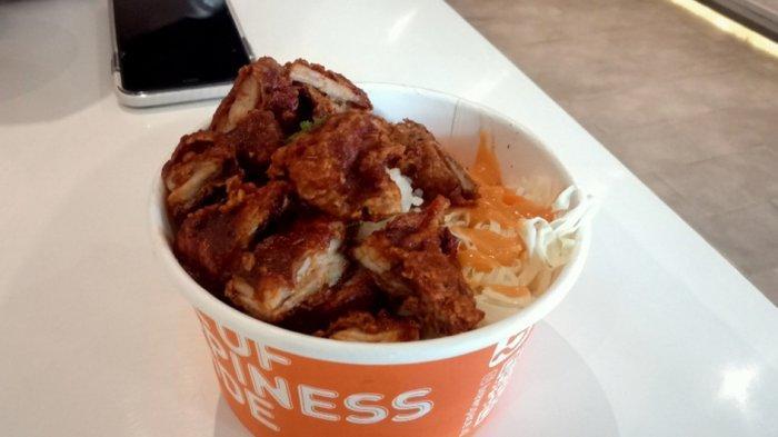 Salah satu menu rice box di Brewspace, Jalan Prabu Dimuntur 22