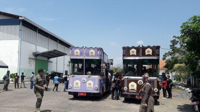 Bus wisata Tampomas Sumedang untuk jalur Tojjaya