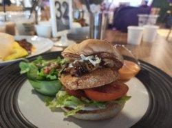 Fysh burger Checo Eat & Chill Gandasari