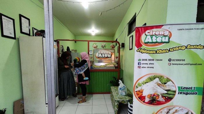 Outlet Cireng Ateu di Jalan Sindang Reret, Kecamatan Pameungpeuk, Kabupaten Bandung