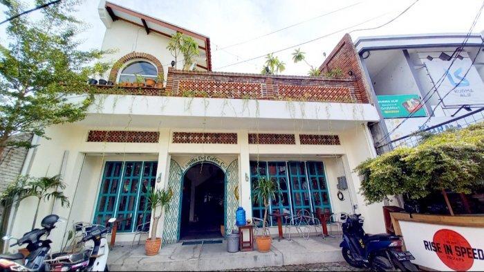 Tampilan depan Colada Cafe yang kental dengan vintage khas Meksiko