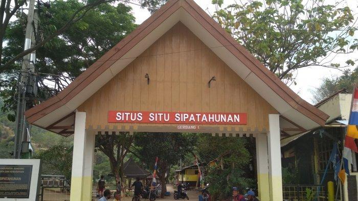 Gerbang Masuk Situ Sipatahunan di Jalan Situ Sipatahunan, RW 04, kelurahan Baleendah, kecamatan Baleendah, Kabupaten Bandung.