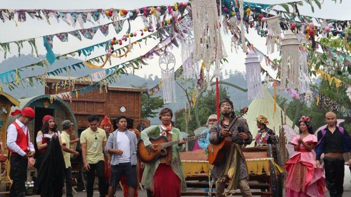 Uniknya Wisata Gipsy Village di Fairy Garden