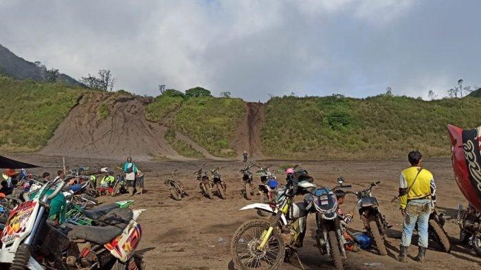 Bromo KW Itu Sebenarnya Sanghyang Buruan, Pemotor Trail Pun Berjanji Menjaga Kelestariannya