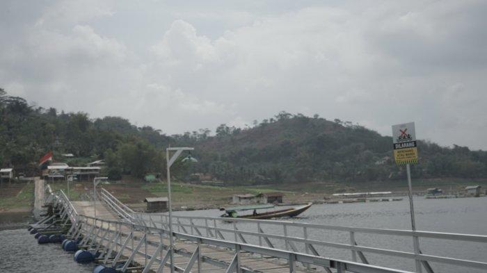 Jembatan Bucin di KBB