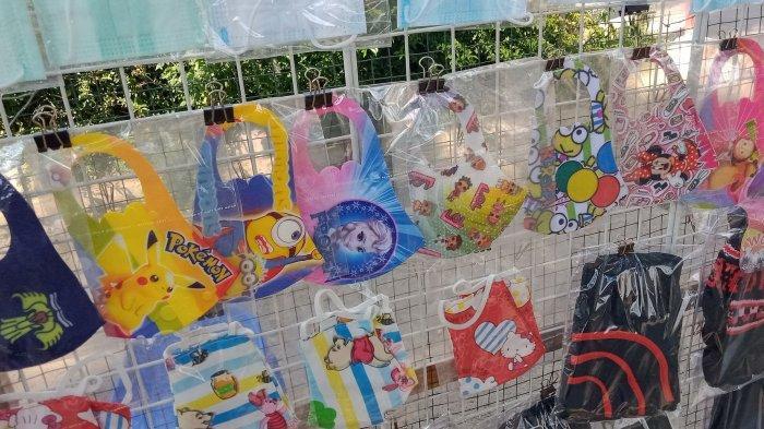 masker yang dijual di tepi Jalan Rancaekek