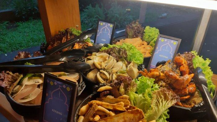 Menu seafood Karnaval Ramadan di Purnawarman Resto, Hilton Hotel, Bandung
